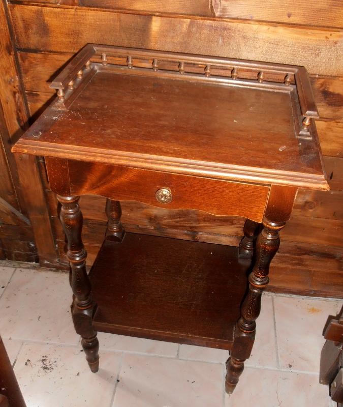 Table de chevet ancienne en bois massif luckyfind - Table de chevet ancienne ...