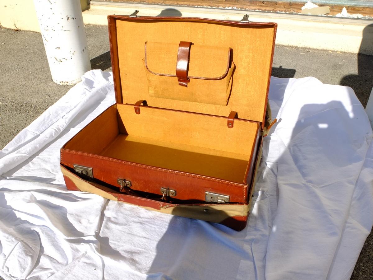 valise en cuir avec sa housse en tissu luckyfind. Black Bedroom Furniture Sets. Home Design Ideas