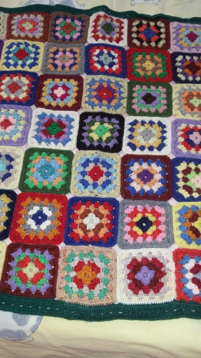 Dessus de lit au crochet, en laine, fait main