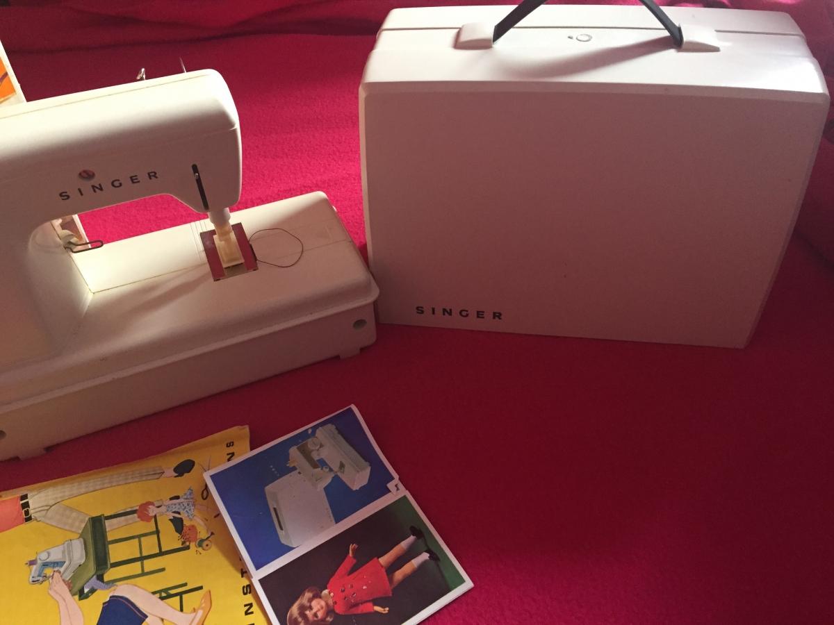 machine a coudre enfant singer luckyfind. Black Bedroom Furniture Sets. Home Design Ideas