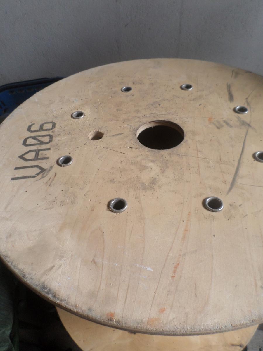 Touret en bois, esprit industriel, loft u2013 Luckyfind # Touret En Bois À Donner