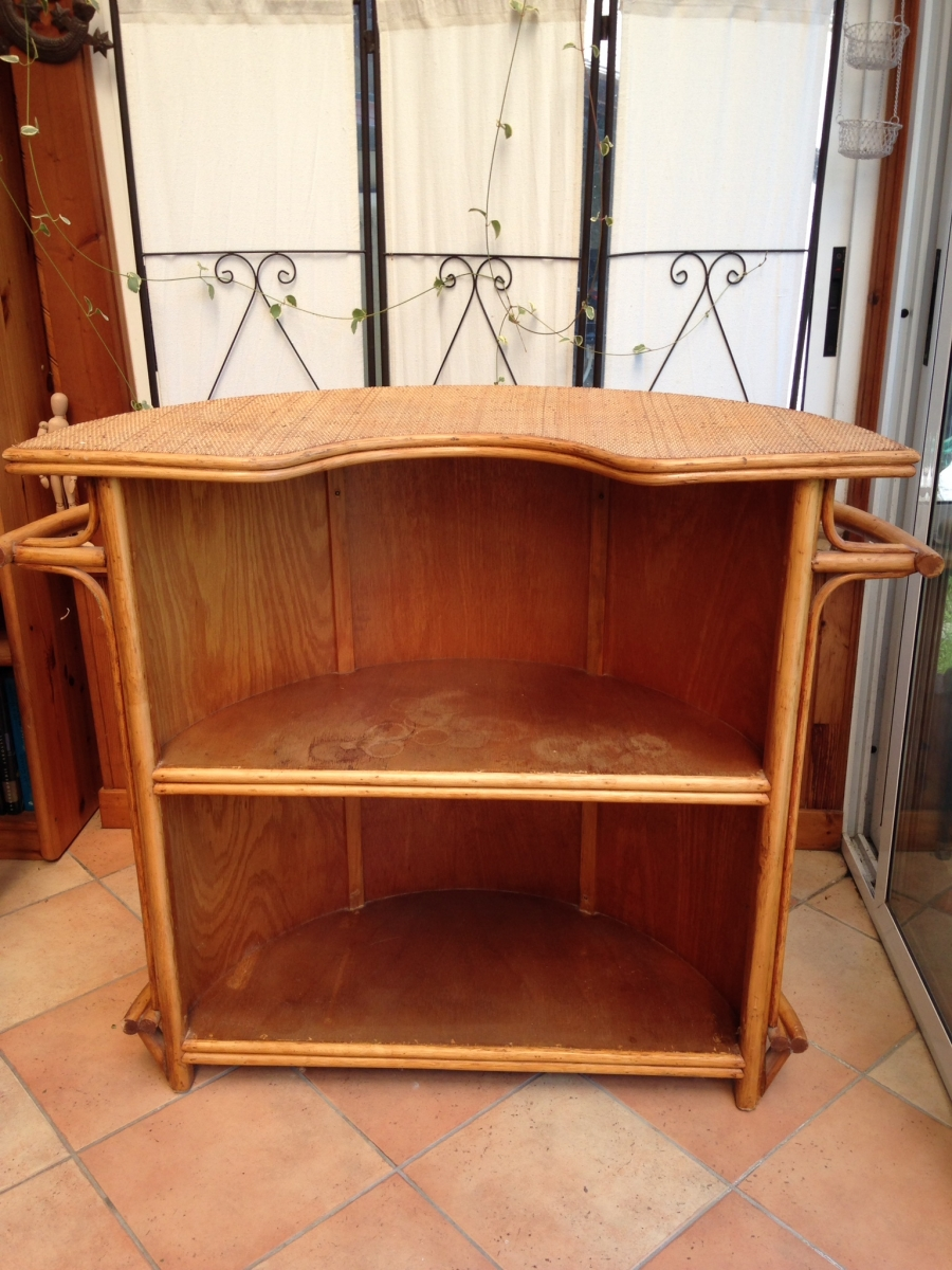 Meuble bar vintage en rotin luckyfind for Meuble rotin