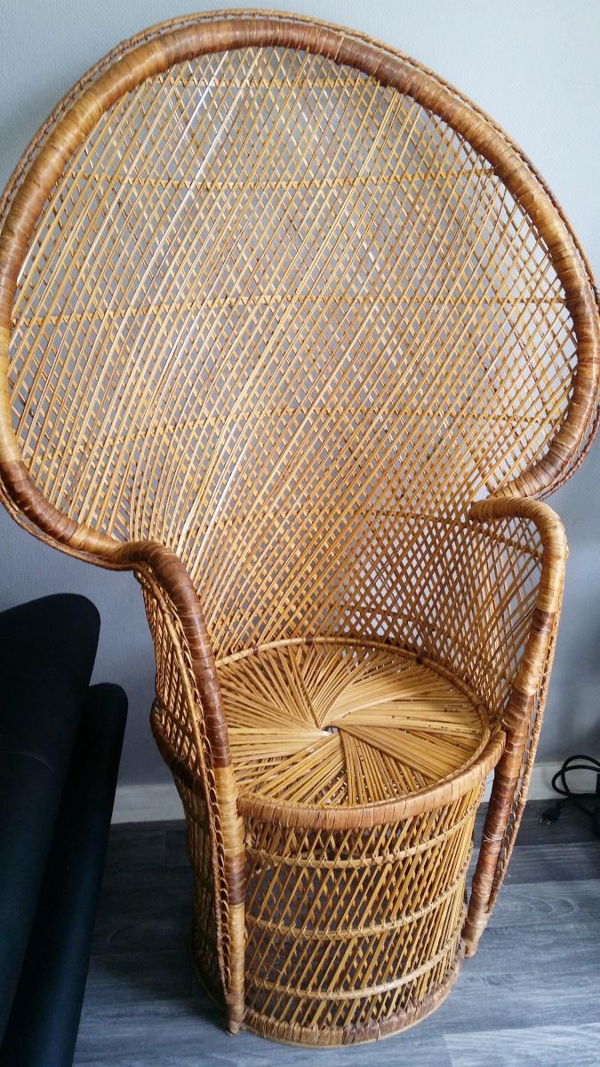 Chaise emmanuelle vintage pas cher luckyfind - Chaise vintage pas cher ...