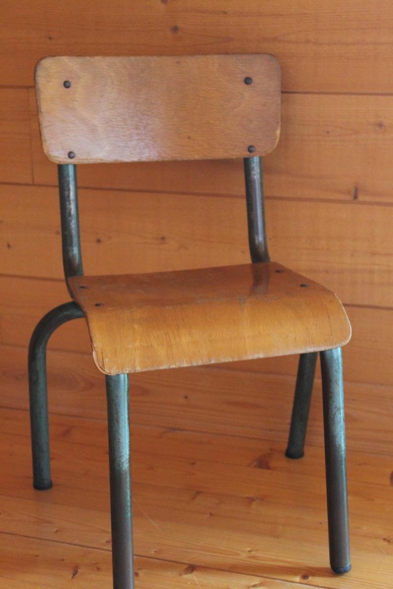 petite chaise d 39 colier luckyfind. Black Bedroom Furniture Sets. Home Design Ideas