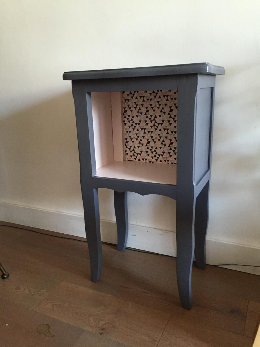 superbe chevet ou petite table luckyfind. Black Bedroom Furniture Sets. Home Design Ideas