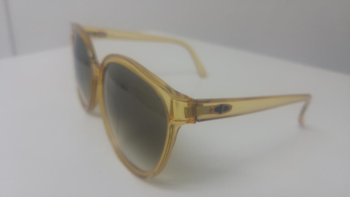 73e1ba5703736 Lunette de Soleil Christian Dior vintage années 80 – Luckyfind