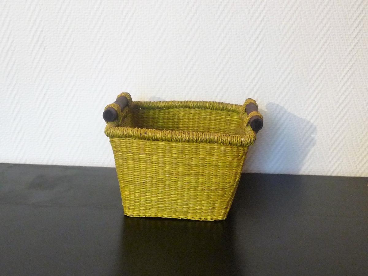 panier en paille vert clair cache pot de fleur luckyfind. Black Bedroom Furniture Sets. Home Design Ideas