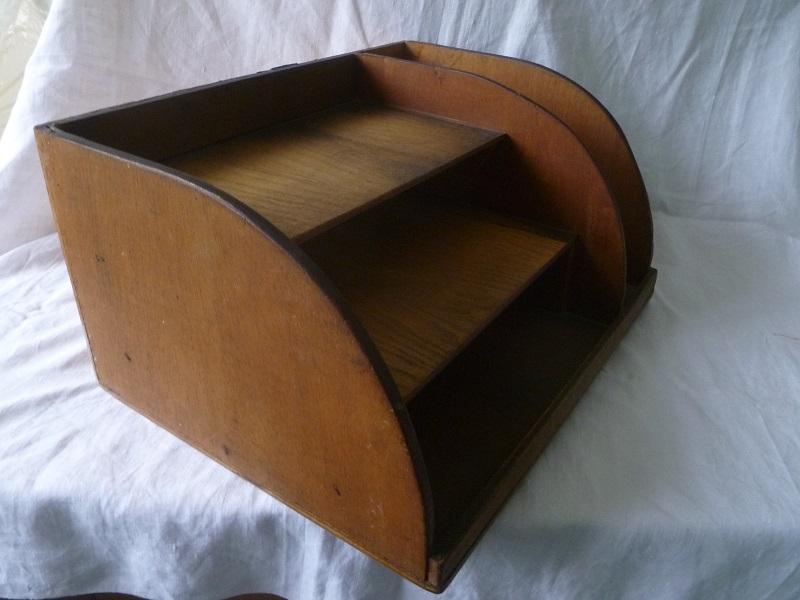 organiseur de bureau ancien vintage luckyfind. Black Bedroom Furniture Sets. Home Design Ideas