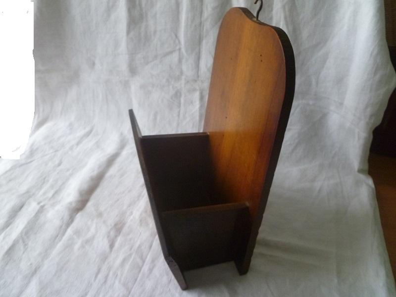 vide poche mural ancien en bois luckyfind. Black Bedroom Furniture Sets. Home Design Ideas