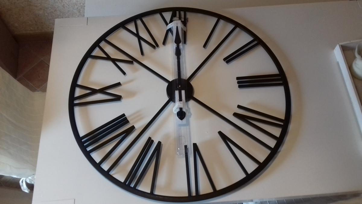 horloge murale 39 chiffres romains luckyfind. Black Bedroom Furniture Sets. Home Design Ideas