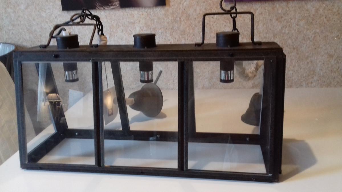 lustre rectangulaire industriel 3 ampoules luckyfind. Black Bedroom Furniture Sets. Home Design Ideas