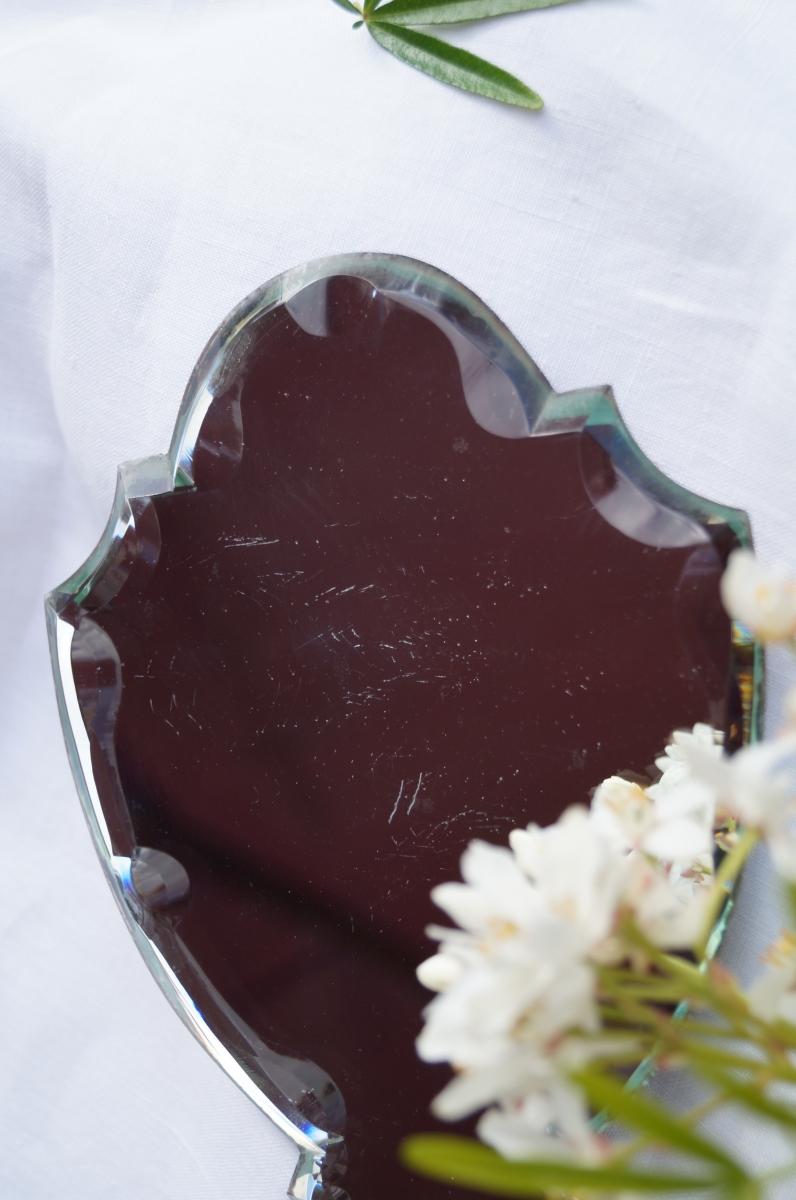 miroir biseaut face main ancien luckyfind. Black Bedroom Furniture Sets. Home Design Ideas