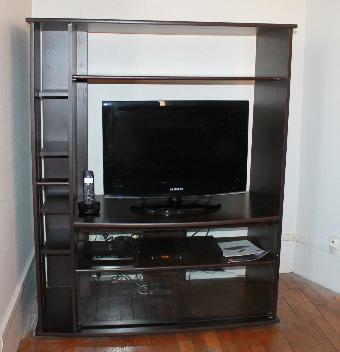 interesting meuble tv conforama luckyfind with plateau tournant pour tv conforama with plateau. Black Bedroom Furniture Sets. Home Design Ideas
