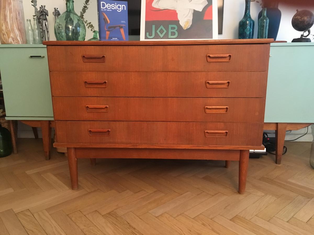 commode enfilade vintage scandinave ou meuble sous vasque luckyfind. Black Bedroom Furniture Sets. Home Design Ideas
