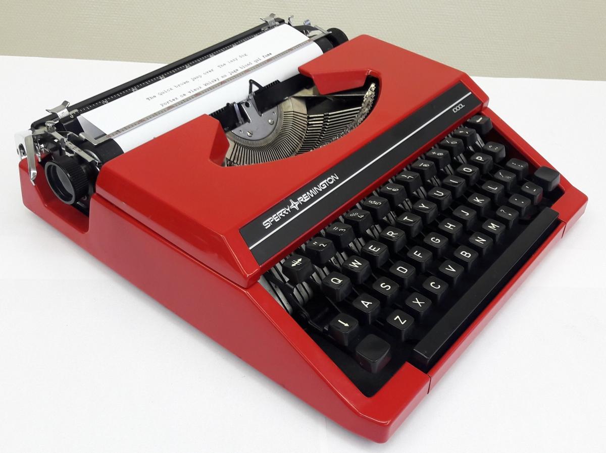 machine crire sperry remington idool vintage ann e 70 80 luckyfind. Black Bedroom Furniture Sets. Home Design Ideas