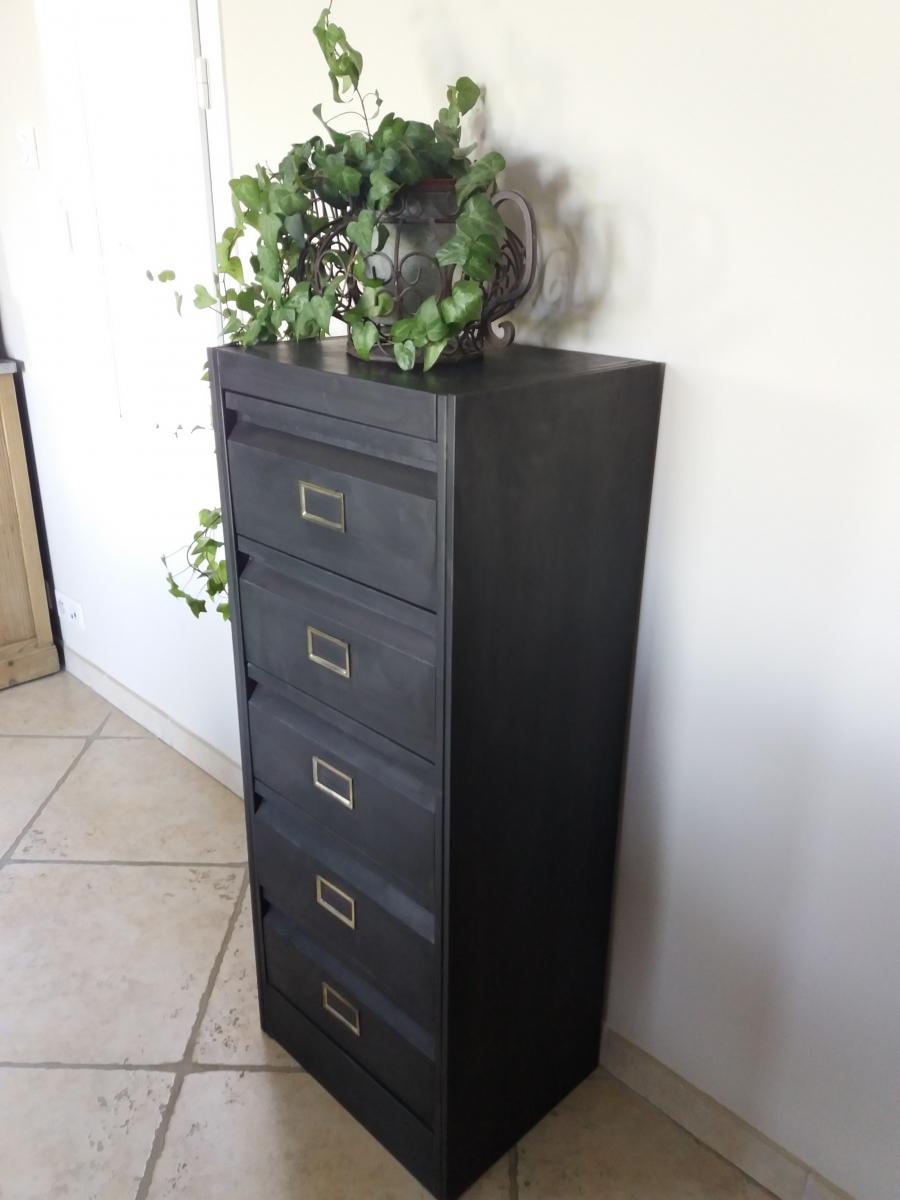 vieux meuble clapet luckyfind. Black Bedroom Furniture Sets. Home Design Ideas