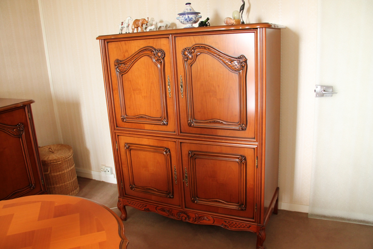 Meuble tv merisier style louis xv luckyfind for Meubles 974