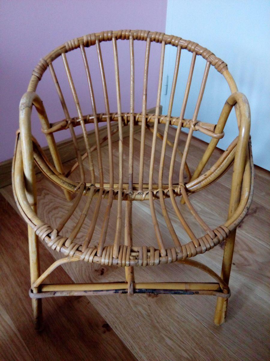 fauteuil corbeille enfant en osier luckyfind. Black Bedroom Furniture Sets. Home Design Ideas