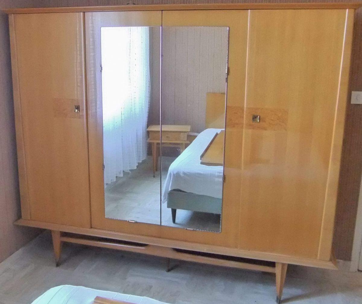 armoire 4 portes haut de gamme scandinave annees 50 60 luckyfind. Black Bedroom Furniture Sets. Home Design Ideas