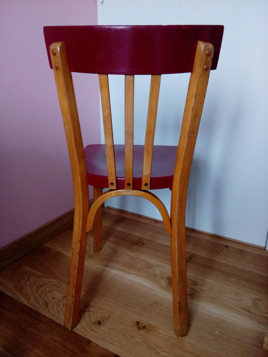 chaise bistrot baumann revisit e en rouge fonc luckyfind. Black Bedroom Furniture Sets. Home Design Ideas