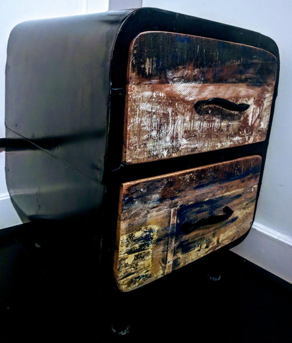 table de chevet style industriel retro luckyfind. Black Bedroom Furniture Sets. Home Design Ideas