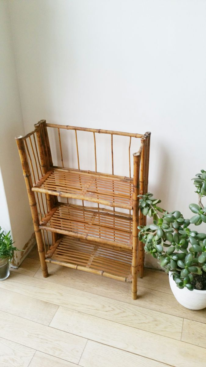 biblioth que tag res rotin vintage luckyfind. Black Bedroom Furniture Sets. Home Design Ideas
