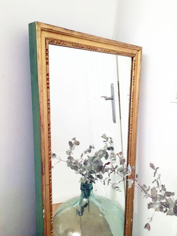 grand miroir vintage dor 70 39 s luckyfind. Black Bedroom Furniture Sets. Home Design Ideas