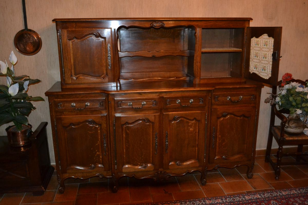 buffet et vaisselier luckyfind. Black Bedroom Furniture Sets. Home Design Ideas