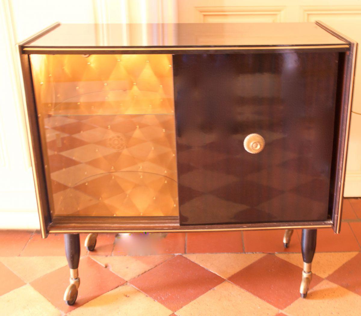 meuble bar vintage luckyfind. Black Bedroom Furniture Sets. Home Design Ideas