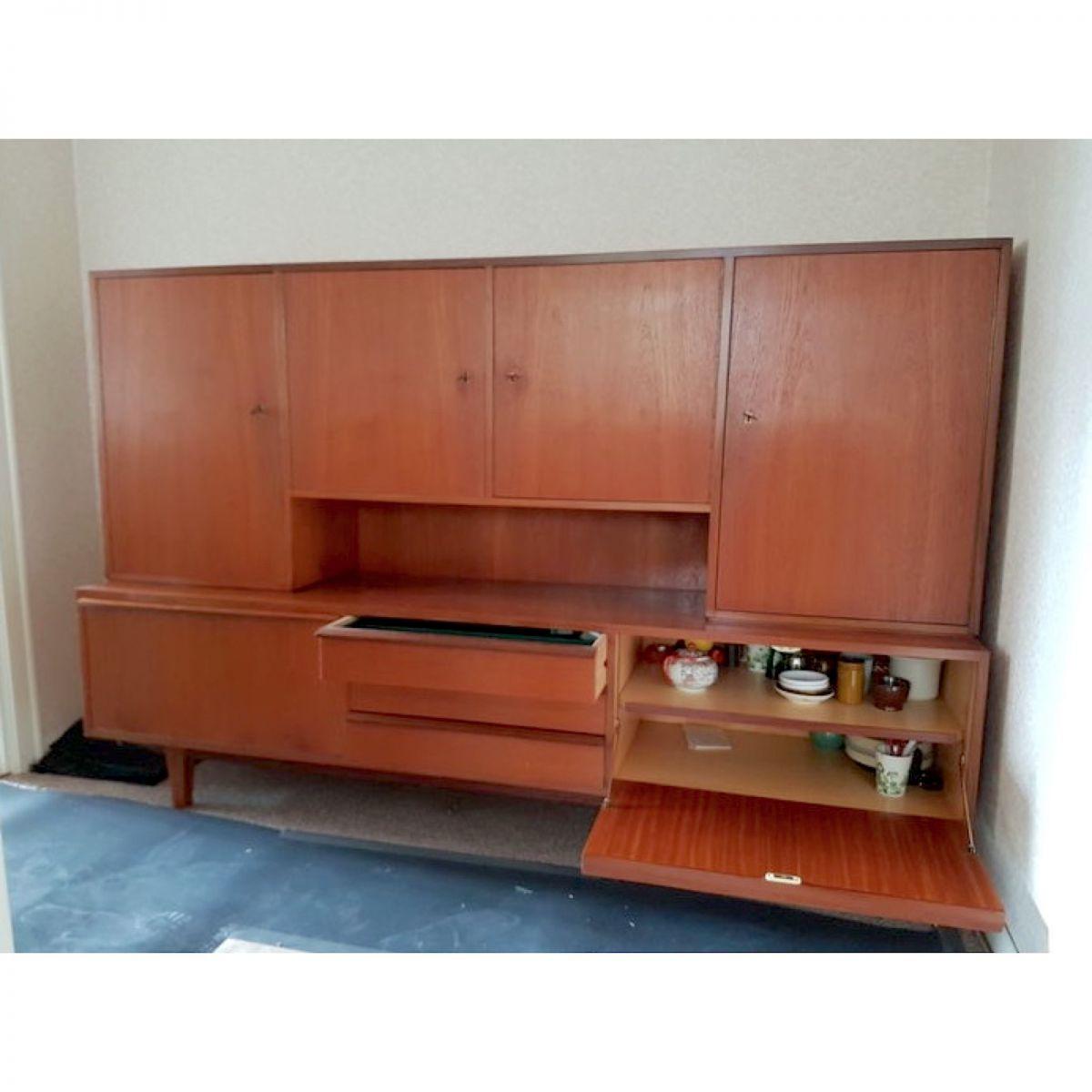 buffet bahut bois 1960 pays bas vintage luckyfind. Black Bedroom Furniture Sets. Home Design Ideas