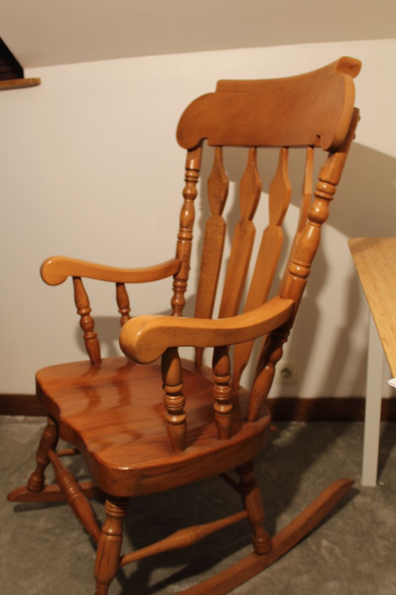 Rocking Chair AMERICAIN – Luckyfind