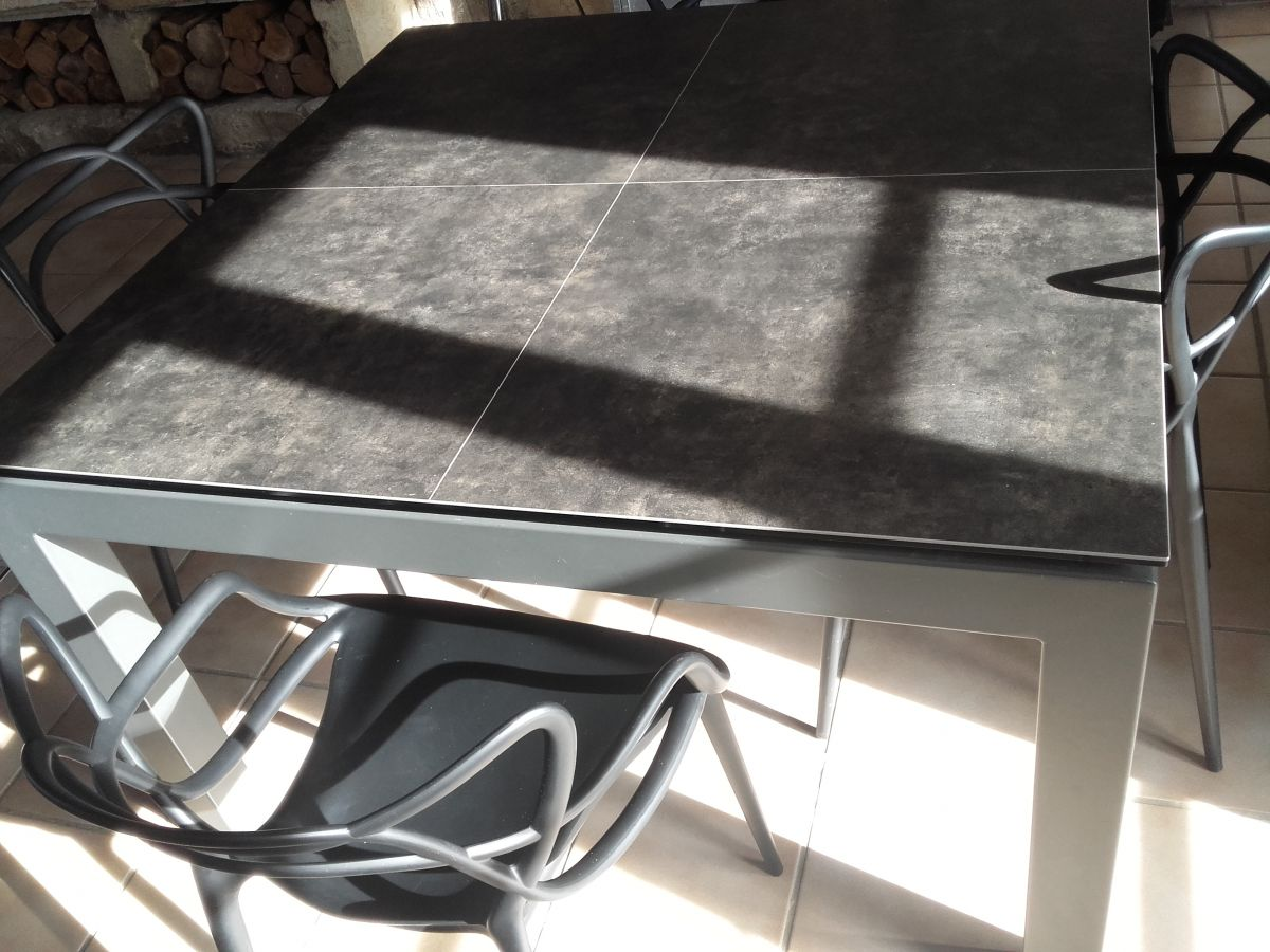 Table carre en c ramique 125x125 avec rallonge int gr e - Table avec rallonge integree ...