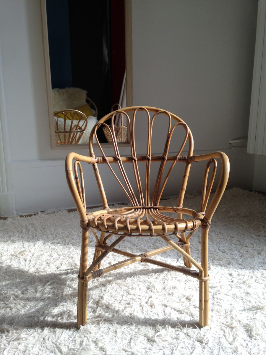 petite chaise enfant en rotin luckyfind. Black Bedroom Furniture Sets. Home Design Ideas