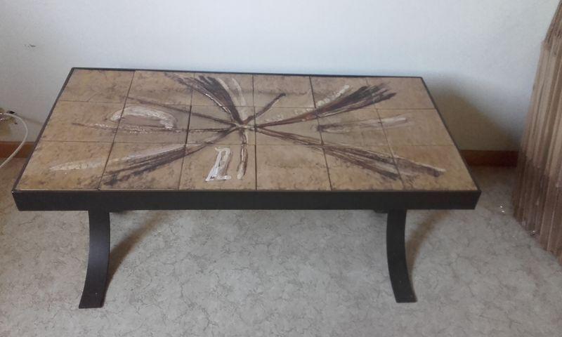 table basse vintage ann es 70 luckyfind. Black Bedroom Furniture Sets. Home Design Ideas
