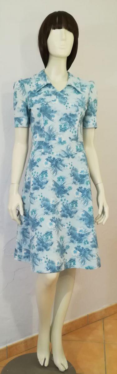 robe vintage 70ies taille 36 38 bleu ciel motifs floraux. Black Bedroom Furniture Sets. Home Design Ideas