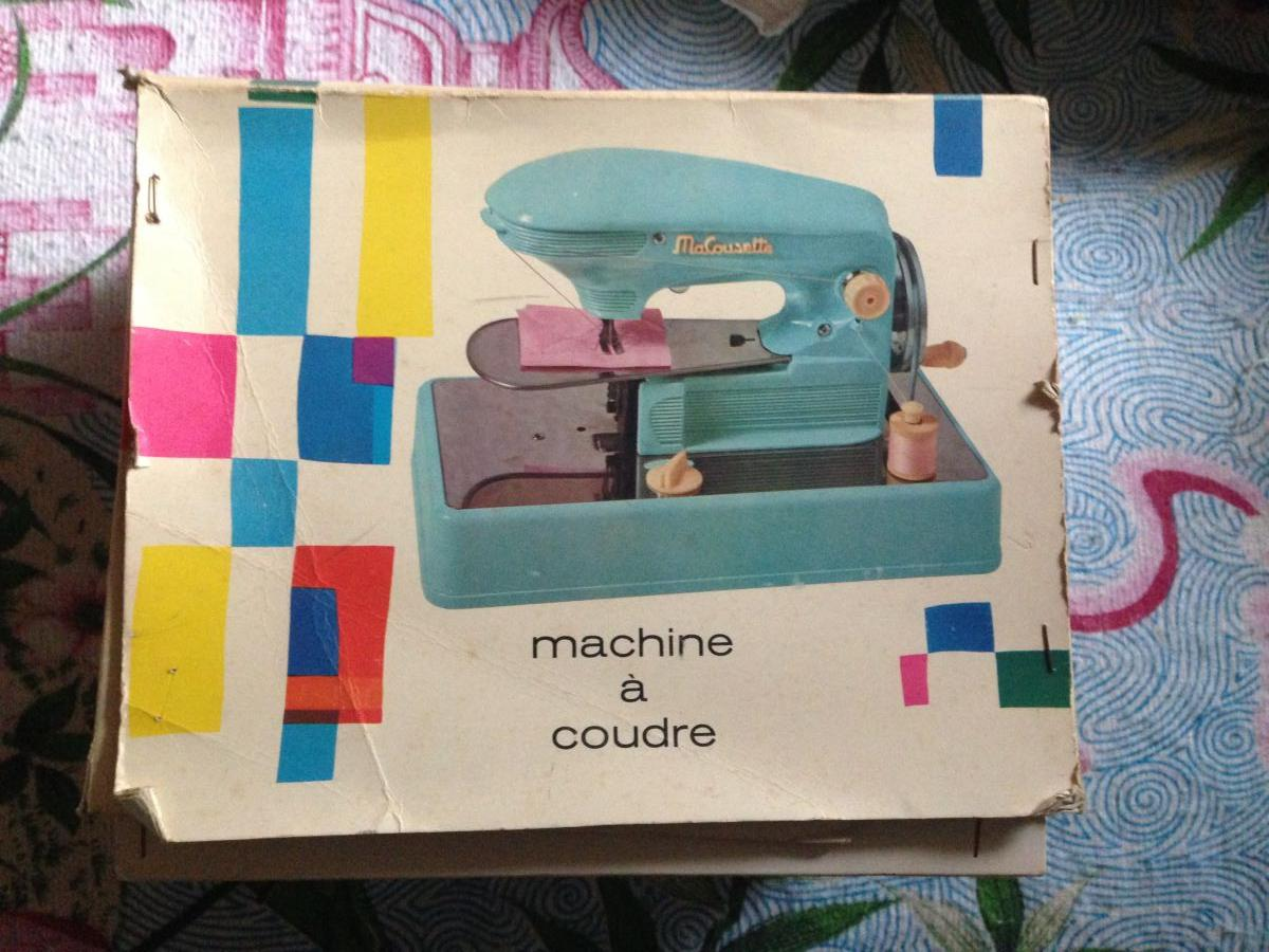 Jouet enfant vintage machine coudre singer luckyfind for Machine a coudre king jouet