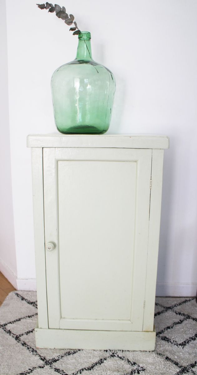 meuble bas vintage ann es 60 luckyfind. Black Bedroom Furniture Sets. Home Design Ideas
