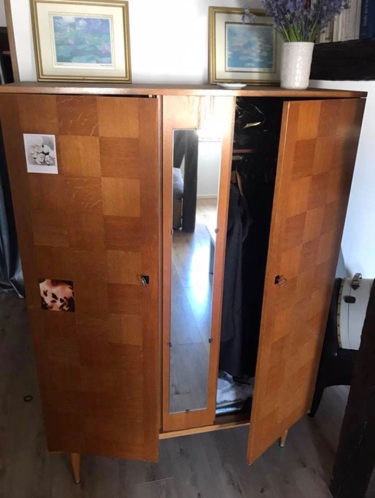 armoire vintage scandinave luckyfind. Black Bedroom Furniture Sets. Home Design Ideas