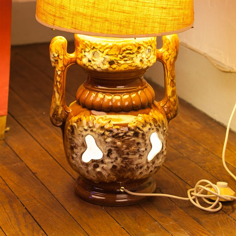 lampe de sol vintage pied en c ramique et abat jour tissu. Black Bedroom Furniture Sets. Home Design Ideas