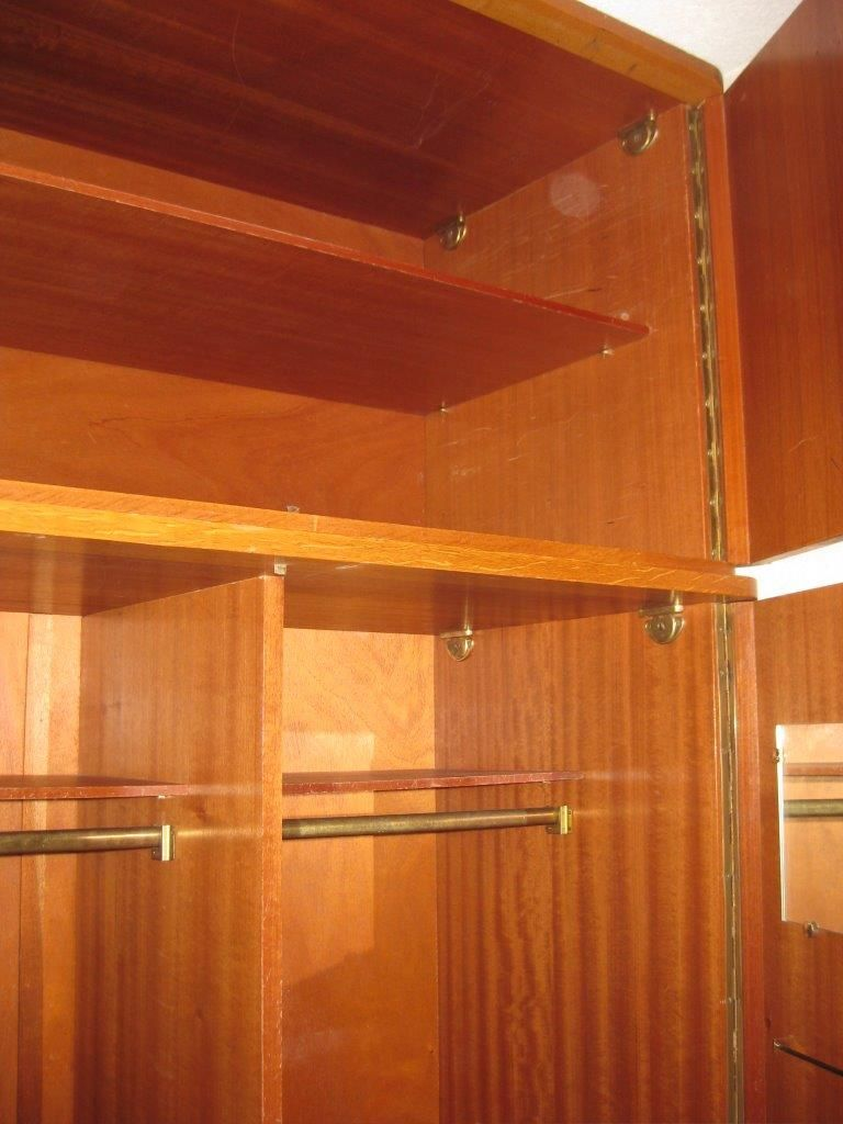 grande armoire penderie ann es 60 luckyfind. Black Bedroom Furniture Sets. Home Design Ideas