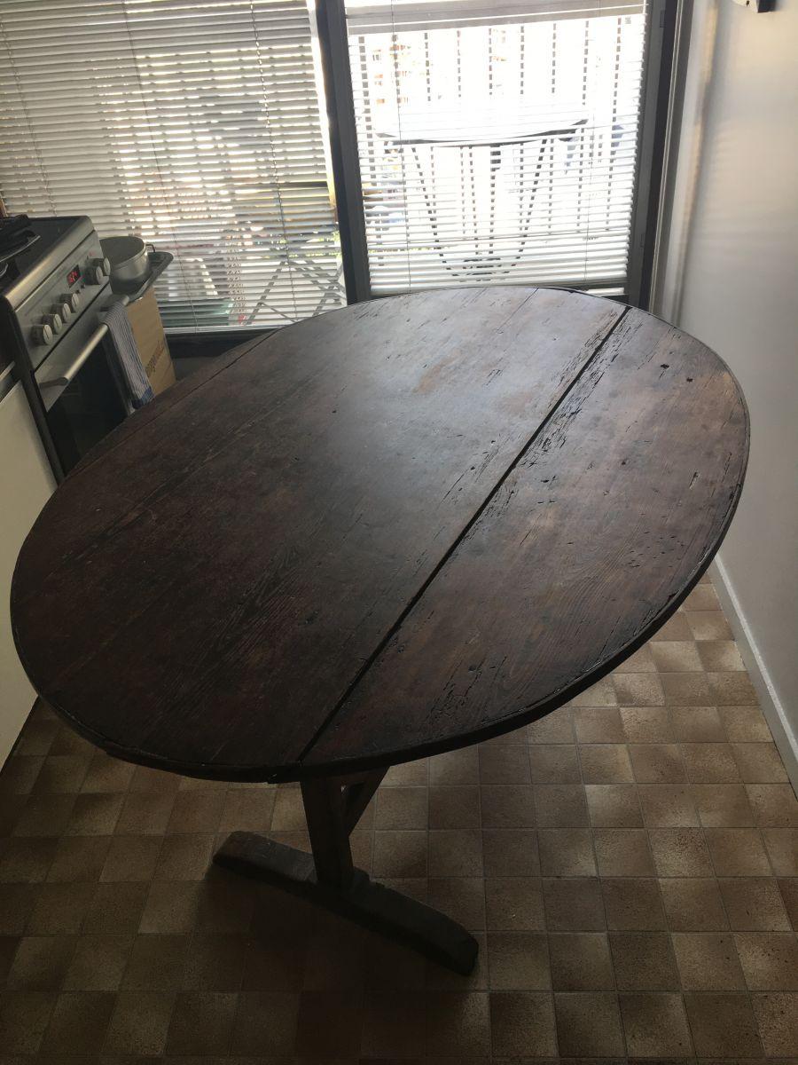 table de vigneron luckyfind. Black Bedroom Furniture Sets. Home Design Ideas