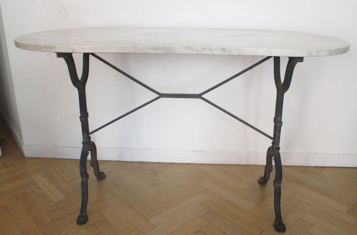 table bistrot vintage ovale en marbre luckyfind. Black Bedroom Furniture Sets. Home Design Ideas