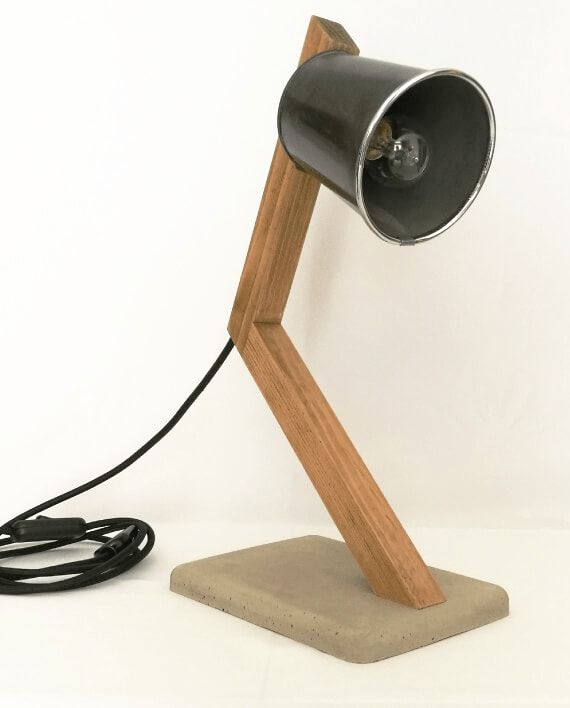lampe de bureau en bois et b ton luckyfind. Black Bedroom Furniture Sets. Home Design Ideas