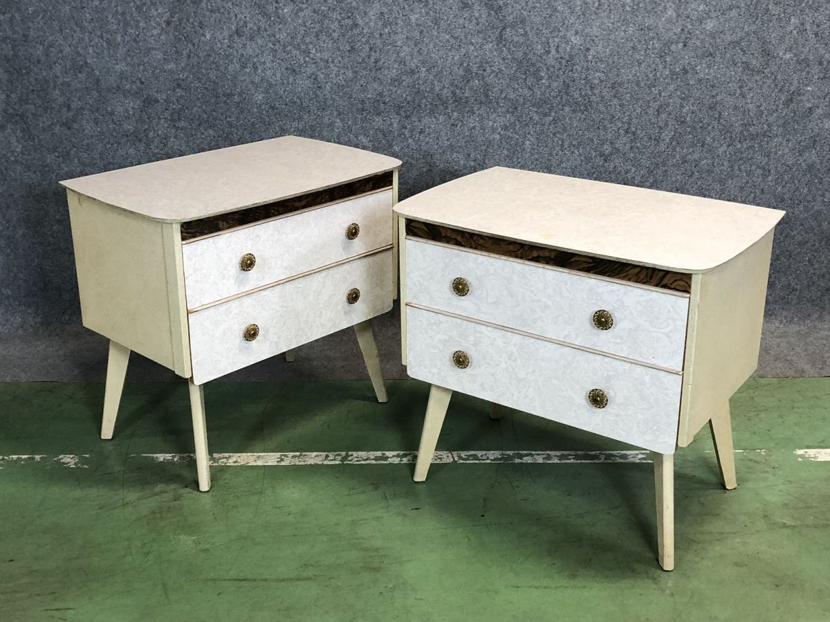 paire de petites commode ann es 70 luckyfind. Black Bedroom Furniture Sets. Home Design Ideas