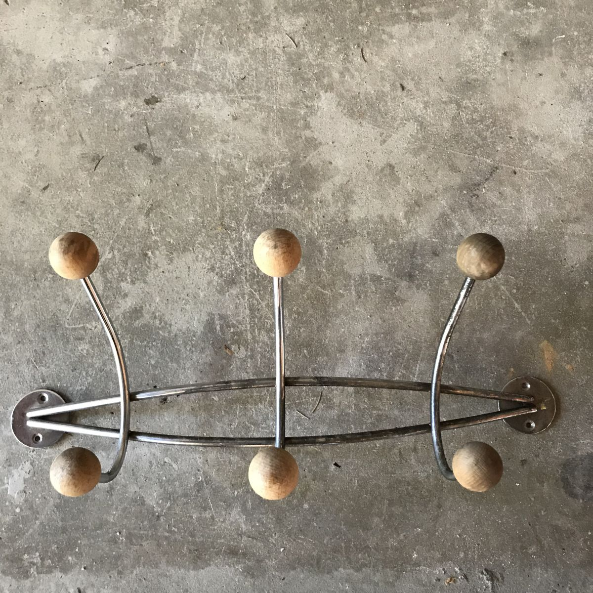 Porte manteaux 6 boules bois et acier chrome vintage luckyfind - Porte manteau boule ...