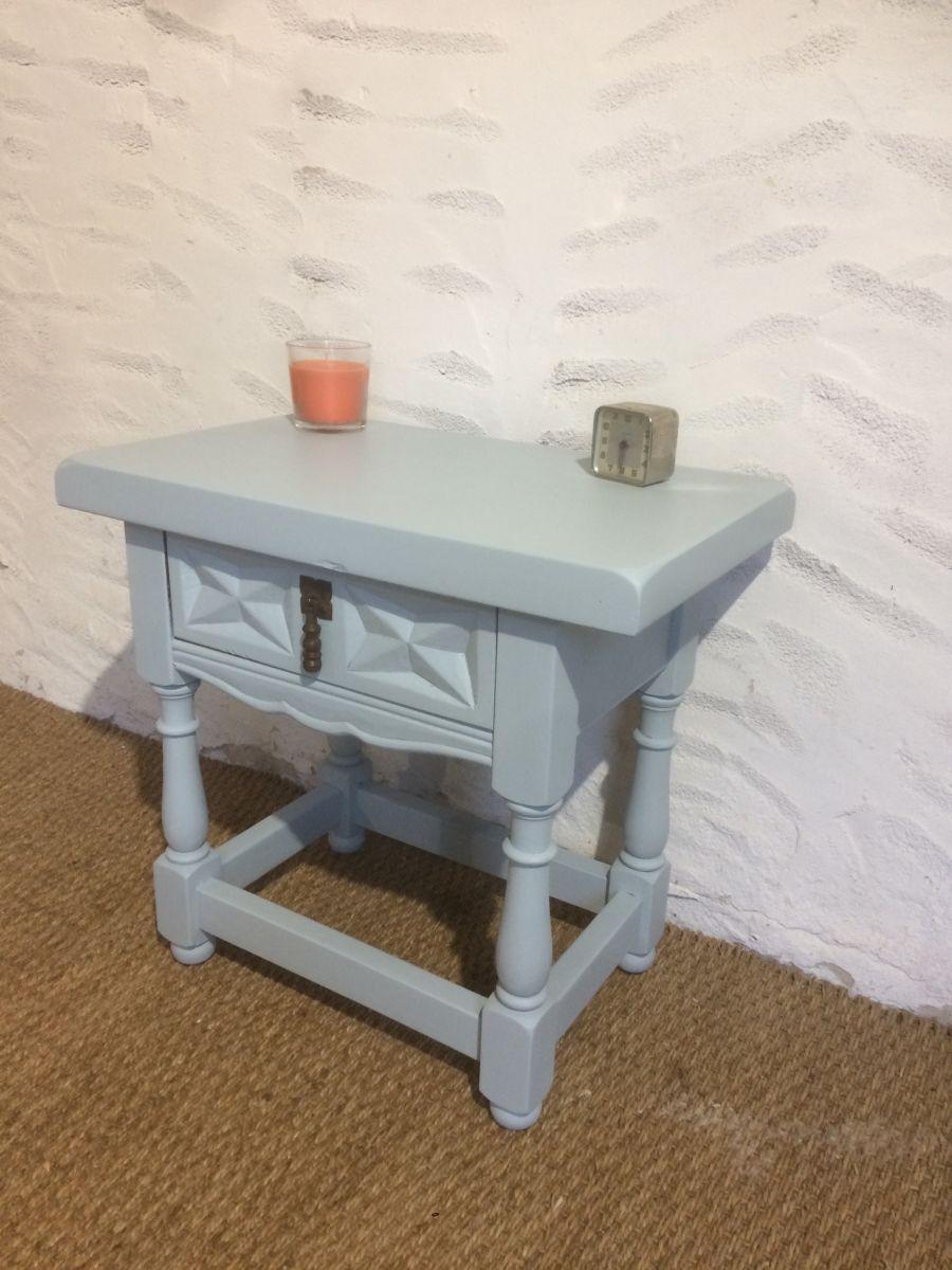 table de chevet ancienne luckyfind. Black Bedroom Furniture Sets. Home Design Ideas
