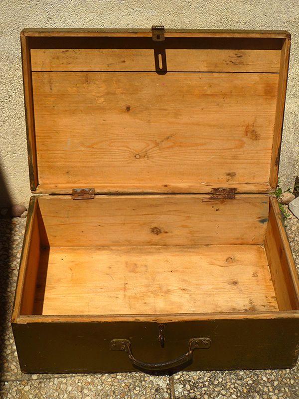 valise en bois ... valise en bois ancienne , vintage ...
