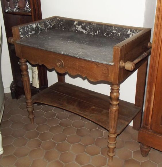 ancienne table de toilette avec marbre luckyfind. Black Bedroom Furniture Sets. Home Design Ideas