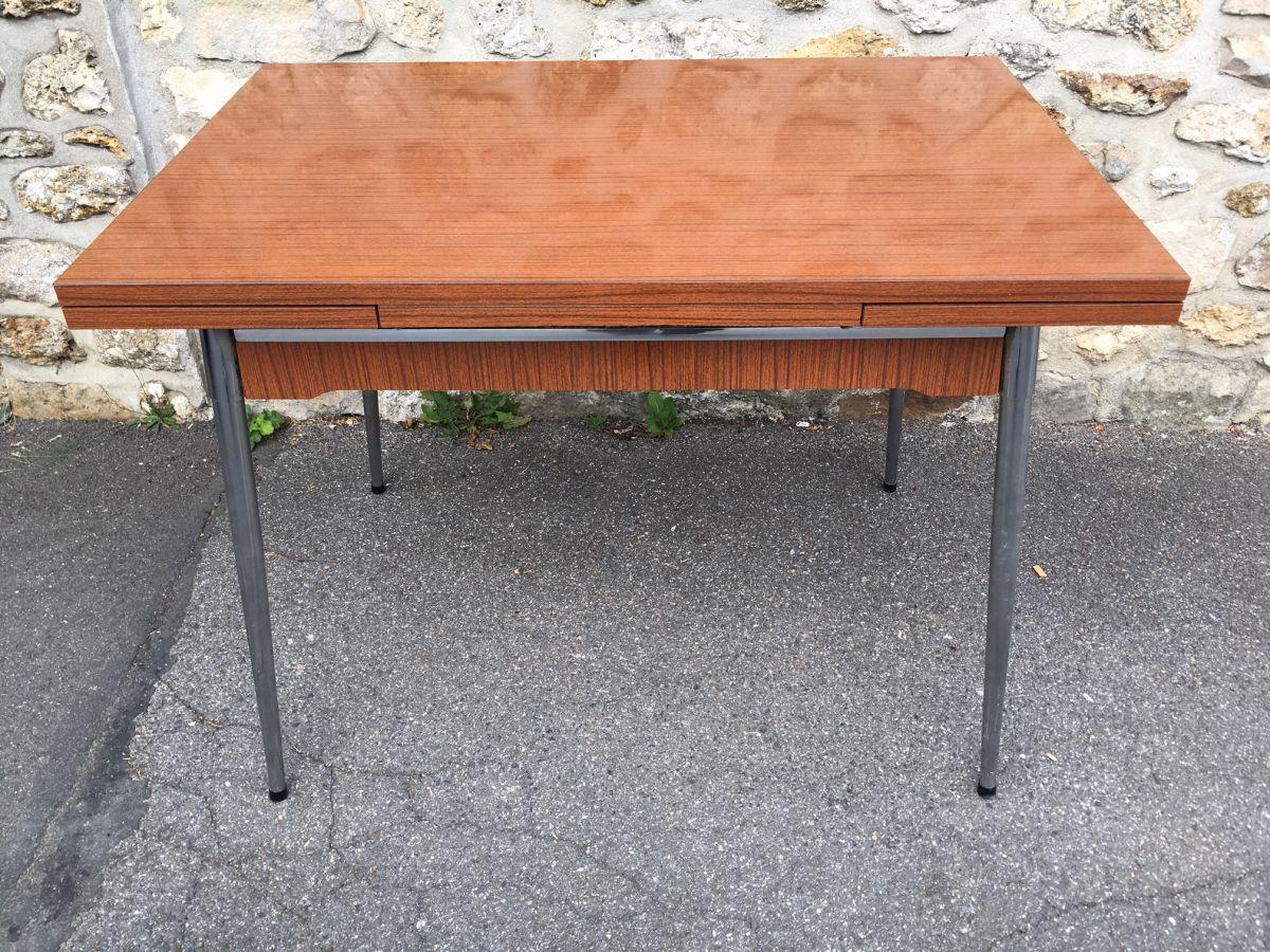 table en formica supermatic luckyfind. Black Bedroom Furniture Sets. Home Design Ideas
