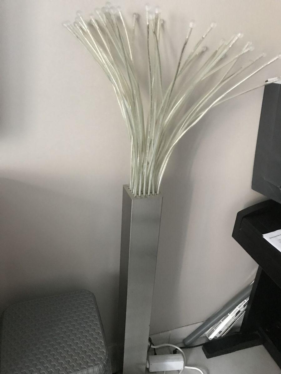 lampadaire moderne luckyfind. Black Bedroom Furniture Sets. Home Design Ideas